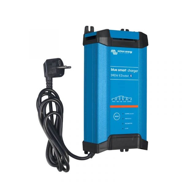Blue Smart IP22 Charger 24/16(3) 230V